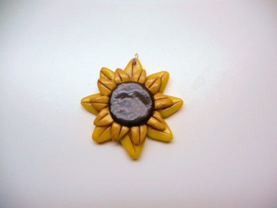 "CIONDOLO IN FIMO ""LITTLE DAISY"""