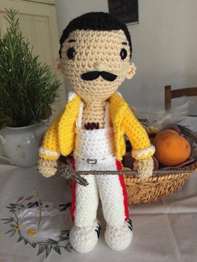 Freddie Mercury amigurumi