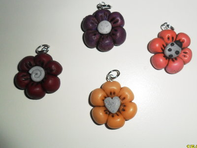 "CHARMS IN FIMO PER BOMBONIERE ""LITTLE FLOWERS"""
