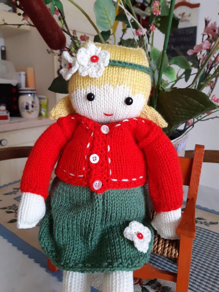 bambola in lana ai ferri Veronica