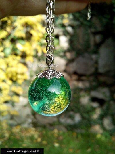 Sfera in resina verde sfumato