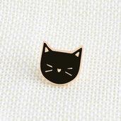 Spilla in metallo e smalto faccina di gatto nero