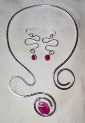 Orecchini e Collana rosa in alluminio anallergico