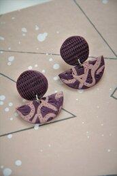 orecchini pendenti in fimo bicolore rosa e viola a fantasia e lobo texturizzato _046_