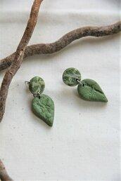 orecchini in fimo pendenti a foglia/goccia piccoli con lobo piccolo bicolore _050_
