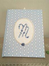 Diario del neonato, libro del nascituro, album della nascita con Iniziale ricamata a mano