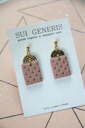 orecchini pendenti in fimo stile boudoir ad effetto capitonne, rosa antico ed oro _056_