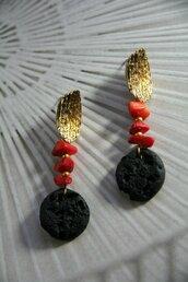orecchini pendenti in fimo effetto lava e corallo mediterraneo base oro _061_