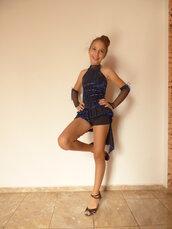 Vestito da ballo sportivo, combinazione di blu e nero