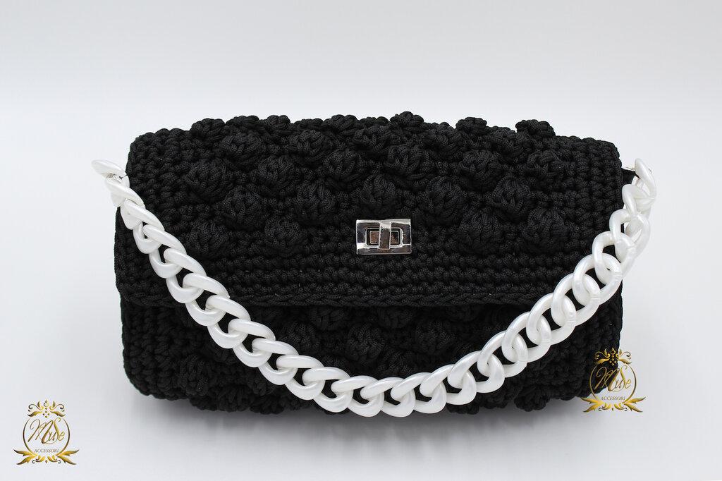 Pochette nera uncinetto elegante