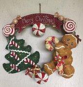 NATALE - ghirlanda gingerbread con tanti dolcetti , albero di Natale e scritta Merry Christmas