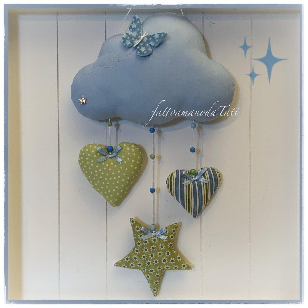 Fiocco nascita nuvoletta in cotone azzurro con cuori,stella e farfalla sui toni verde ed azzurro