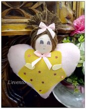 Bambolina cuore pannolenci