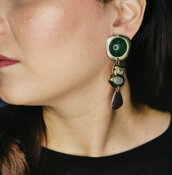 Orecchino bohémien pendente etnico con pietra verde