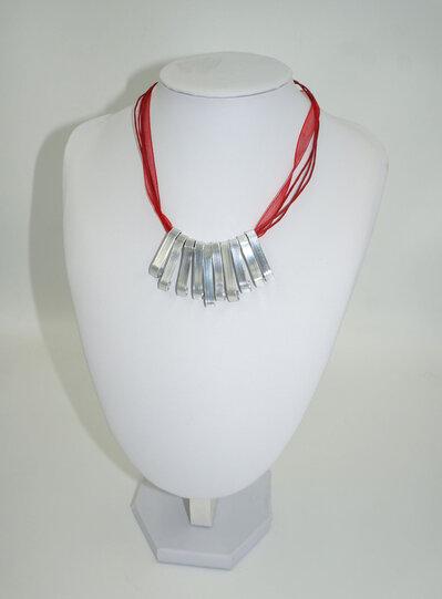 Collana wire con co in alluminio e cordino rosso