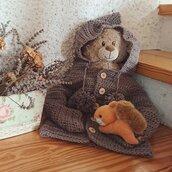 Giacca con cappuccio per bambini all'uncinetto