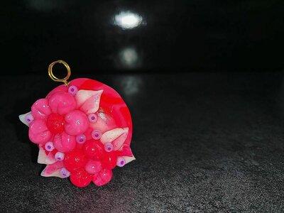 Ciondolo Floreale in Sfumature di Rosa