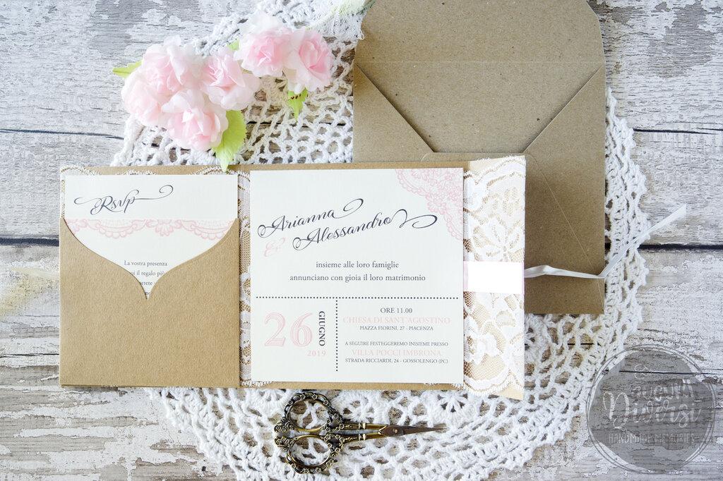 Partecipazioni Matrimonio Carta Kraft.Elegante Partecipazione Di Matrimonio In Pizzo E Carta Kraft