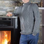 Maglione uomo con cerniera lana grigia lavorato a maglia. Punto intrecci fantasia