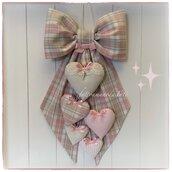 Fiocco nascita in cotone scozzese rosa e beige con 5 cuori sui toni rosa e beige con pizzo