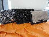 Pochette in denim con patta in pizzo, ecopelle  o tulle con strass