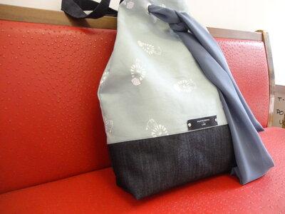 """Borsa grande """"Tote bag""""  in tessuto e denim con cintura in chiffon"""