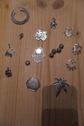 Monili, ciondoli in argento