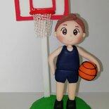 Cake topper  giocatore di basket in pasta polimerica