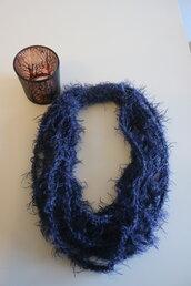 Collana lana viola scuro multifilo