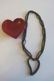Collana nera cotone e lurex con grande cuore