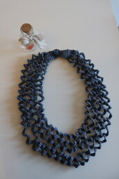 Collana cotone grigio azzurro motivo ad onde