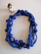 Collana lana blu pervinca a cipollotti