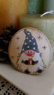 """decorazione natalizia in legno """"gnomo portafortuna"""""""