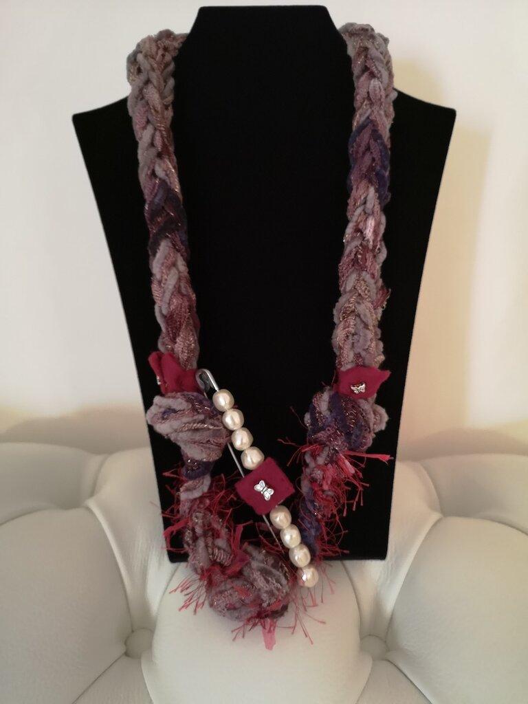 Collana koll di lana spillami