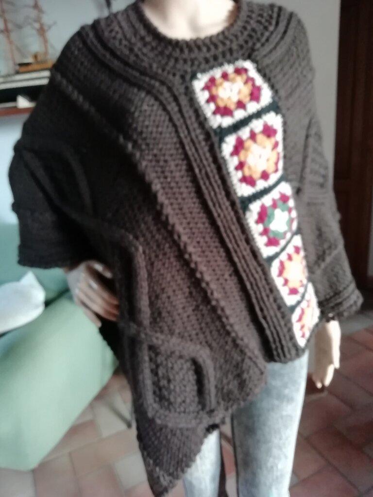 Poncho in lana marrone