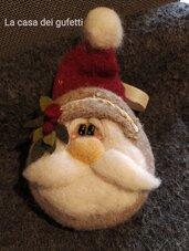 Babbo Natale country realizzato su medaglione con la tecnica dell'infeltrimento ad ago