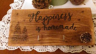 "idea regalo incisa a mano ""happiness is homemade"""