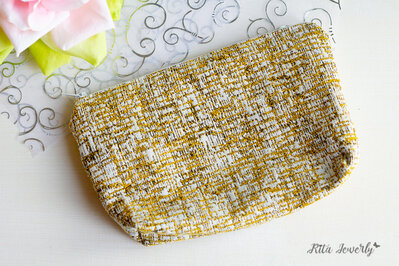 pochette gialla in stoffa e cotone