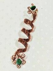 spirale  lunga per capelli, dread bead long , in rame con cuore verde.
