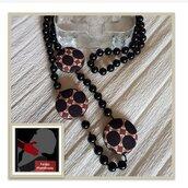 Collana Lunga di Perle nere con inserti in tessuto fantasia geometrica