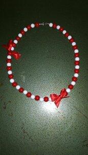 Collana bianca e rossa