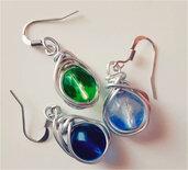 Orecchini wire in alluminio con perle colorate