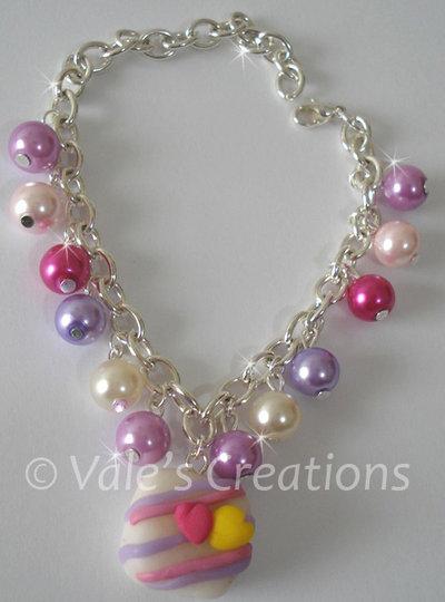 Bracciale con perle e ciondolo in fimo