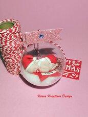 Pallina di Natale con neonato personalizzata con il nome come idea regalo per una neomamma, sfera natalizia con neonato per regalo famiglia