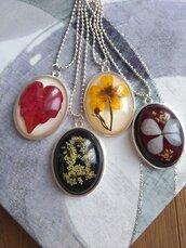 Ciondolo fiori resina fatto a mano collana lunga con ciondolo medaglione fiori