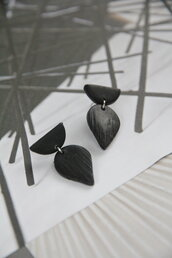 orecchini total black geometrici in fimo, pendenti piccoli _073_