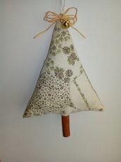 Albero di  natale in stoffa ,con tronco in cannella da appendere