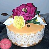 Topper, bouquet, fiori : Rosa, Calla, Peonia, e un elegante pizzo
