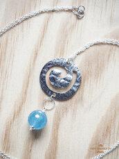 Collana con pietra naturale di azzurrite e ciondolo argento