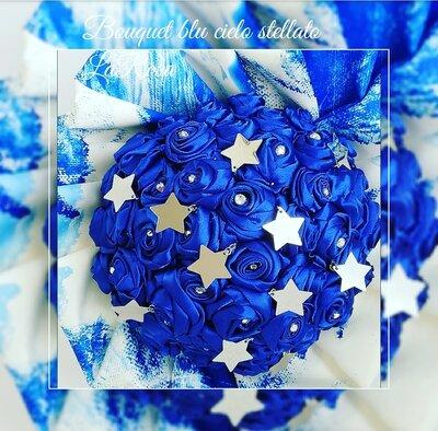 Bouquet sposa rose blu in tessuto. Cielo stellato
